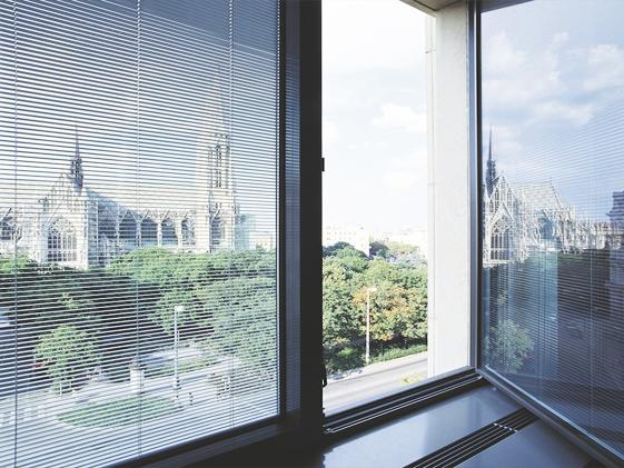 Vetrocamera Per Finestre : Veneziana interna al vetrocamera su finestre vetreria